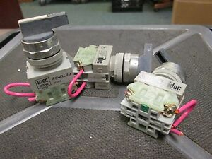 Idec Selector Switch Asw3l20 120 600vac 3 Position lot Of 3 Used
