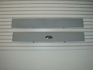 2002 2005 Ford Explorer Aplique Molding For The Hatch Door 1l2z78402a30captm