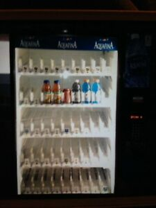 Pepsi Cold Drinks Pop Vending Machine Dixie Narco 5561 Coke Water Cans Bottles
