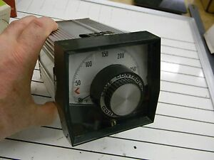 Love Controls Model 54 Temperature Controller 54 8134 0 To 300 Deg F Nice G1
