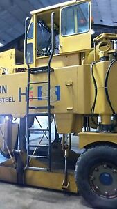 Hyster Straddle Carrier Truck