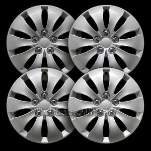 Universal Silver 16 quot Hubcap All Years Set Of 4 55071