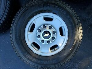 4 2015 17 Inch Chevy Rims And Tires 8 Lug Off 2500 Hd New