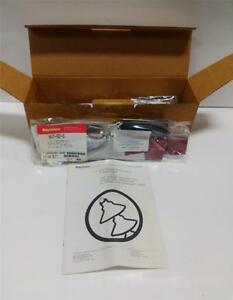Raychem Indoor Termination Kit Qty 3 Hvt 82 g Nib