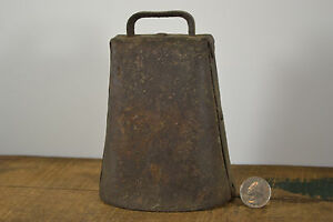 Old Patina Antique Cow Bell Dairy Farm Lg Forged Hammered Pinned Clanger