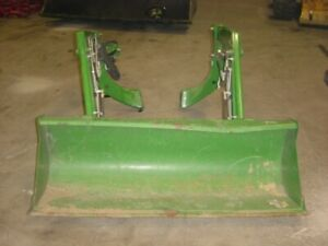 305 Loader Of A 3038e John Deere