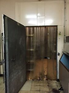 Walk in Cooler 16 X 13 5 X 9 5