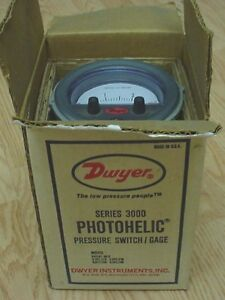 Dwyer Series 3000 Photohelic Pressure Switch gage 25 Psi Inches Of Water