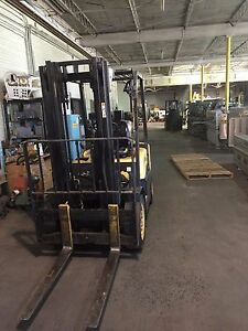Forklift By Daewoo Model G20s 3 4000 Lb Two Stage No Side Shift Good Condition