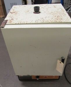 Used Fisher Isotemp 200 Series Incubator Oven Model 215g 115v 1ph 13 245 215g