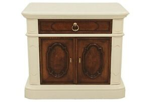 Thomasville Neoclassical Hall Cabinet