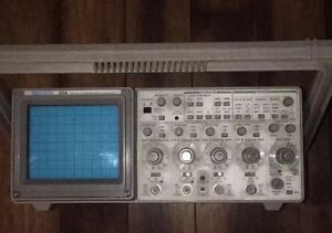 Vintage Collectors Tektronix 2214 Oscilloscope o scope
