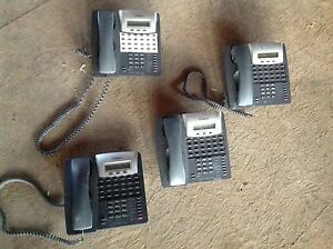 Lot Of 4 Phones Comdial Vertical Ep100 24 Button Display Office Phone Vertical