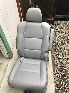 Honda Odyssey 2011 2016 Genuine Oem Rear Left 2 Nd Row Gray Leather Seat