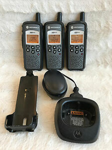 Motorola 2 way Walkie Talkie Lot Of 3 Digital Radio Portable Dtr610 Dtr 610