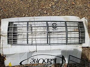 Auto Parts 1968 Ford Thunderbird Grille 5 Pieces