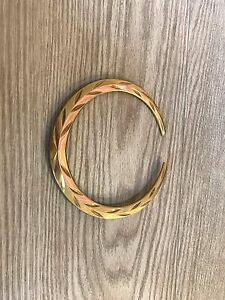 2007 2010 2011 2012 2013 2014 Cadillac Escalade Grille Emblem Wreath Outer Gold
