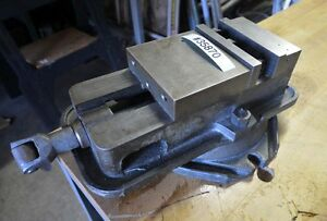 Milling Machine Vise With Swivel Base inv 35870