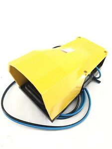 Camozzi 338 925 Pneumatic Foot Pedal Used In Good Shape h299