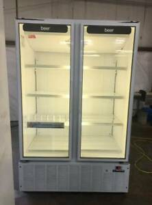 Mb Master bilt Bmg 48 2 door Glass Refrigerator Merchandiser looks New 2011