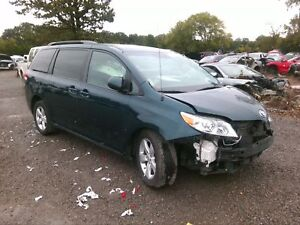 Front Seat Toyota Sienna Right 11