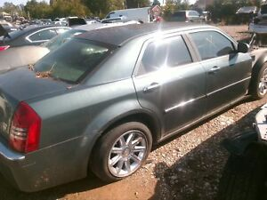 Front Seat Chrysler 300 Left 05