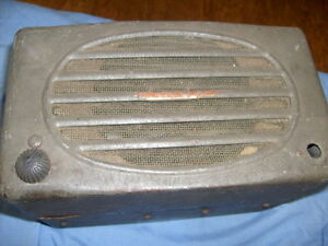 Vintage Antique Motorola 8 40 Car Radio 1930 s 1940 s Vacuum Tube Rat Hot Rod