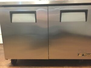 True Freezer Tuc 48 2 Door Under Counter W Worktop Prep Table Works Great 120v