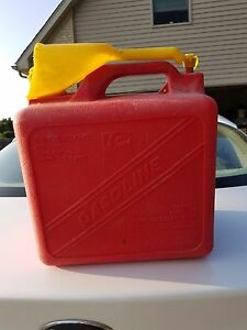 Rare Vintage Kp 5 Gallon Red Vented Plastic Gas Can Model 1 2620 With Spout