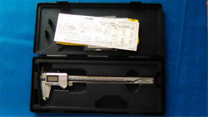 1pc New Mitutoyo 500 753 10 0 200mm 0 8 Digital Caliper v1397 Ch