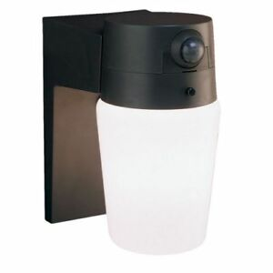 Heath Zenith Hz 5610 1 Light 110 Degree Motion Activated Outdoor Wall Sconce