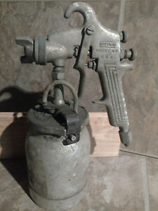 Binks Model 69 Spray Gun Paint Sprayer With Pressure Feed 2 Quart Cup