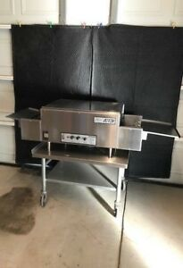 Holman Conveyor Pizza Oven Lincoln 220v 1 phase 18 Shipping Available