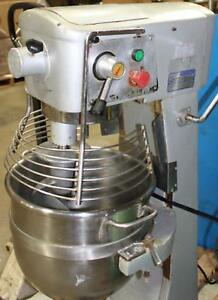 Uniworld Sm 30 Mixer With Stainless Bowl And Hook 30 quart