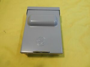 General Electric Tfn60r Pull Out Type Disconnect Box Rainproof Enclosure 60 Amp