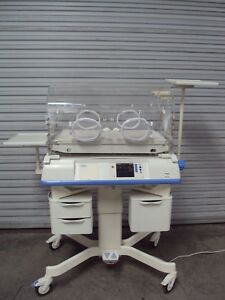 Drager Hill Rom Isolette C2000 C 2000 Infant Incubator Warmer