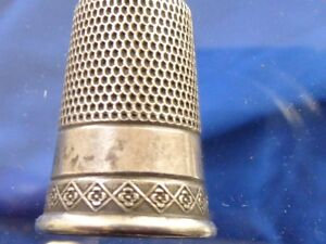 Victorian Antique Estate Sterling No 10 Sewing Thimble Engraved Deisgn Sewing