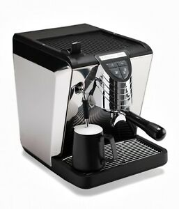 Nuova Simonelli Oscar Ii 2 Black With Water Reservoir 10 To Disaster Relief