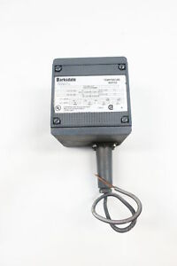 New Barksdale T2h s251 3 a Temperature Switch 100 To 300f 125 250 480v