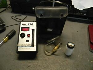 Universal Enterprises C5a Oxygen Analyzer With Case Free Shipping