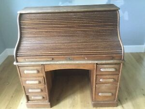 Vintage Oak Solid Wood Roll Top Desk Large Locking 2 Column Cubbies And Trays