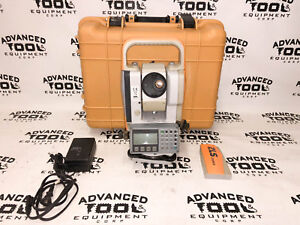 Topcon Cygnus 2ls Ks 102 Dual Display Total Station W Charger Battery