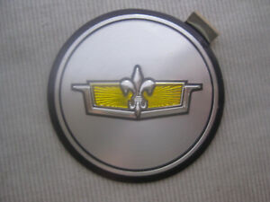 Nos Chevy Caprice Crest 1980 1981 Gm Simulated Wire Wheel Cover Hub Cap Emblem