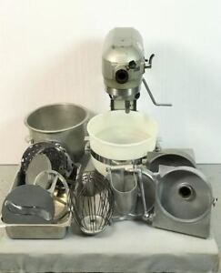 Hobart A200 20 Qt Dough Mixer W 2 Bowls Pelican Head Whip Lot