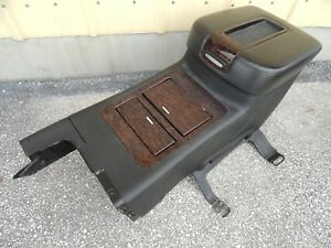 Center Console Yukon Or Yukonxl 07 08 09 Arm Rest Storage