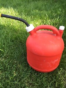Eagle 2 1 2 Gallon Red Plastic Gas Can Vent Pg 3 Nice And Clean