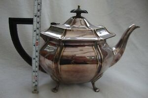 A Vintage Silver Plate Epns Teapot Standing On Four Raised Feet Good Detail