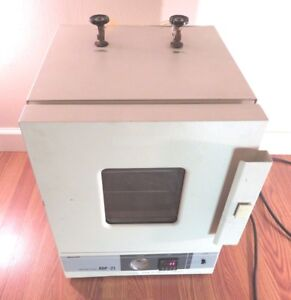 Yamato Scientific Adp 31 Table Top Vacuum Drying Oven