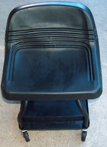 Whiteside Quality Pro Tools Heavy Duty Padded Rolling Shop Seat Chair Creeper