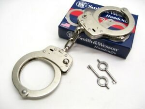 Smith Wesson S w Chain Link Model 104 High Security Handcuffs Keys 350107